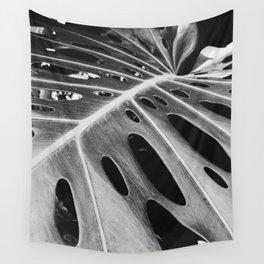 b&w banana leaf Wall Tapestry
