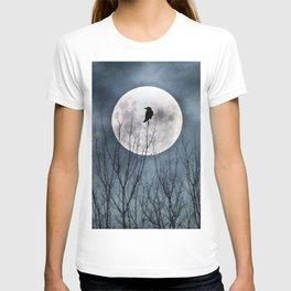 Night Raven Lit By The Full Moon T-shirt