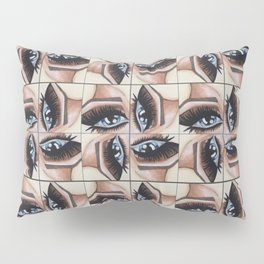 All eyes on me Pillow Sham