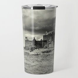 Eilean Donan Castle in Mono Travel Mug
