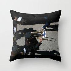 la banda Throw Pillow