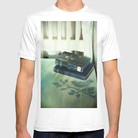 Books & Bird T-shirt