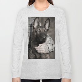 Love and protection for humans and animals Long Sleeve T-shirt