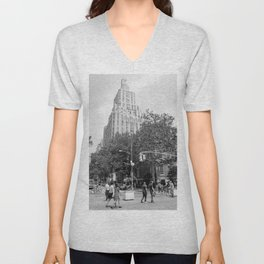 New York City (NYU) Architecture - Black & White Unisex V-Neck