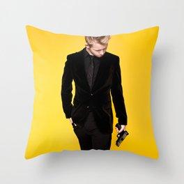 MR OCEAN Throw Pillow