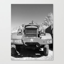 Big Diamond T recovery army truck Canvas Print