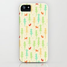 Foxes hiding in the forest Slim Case iPhone SE