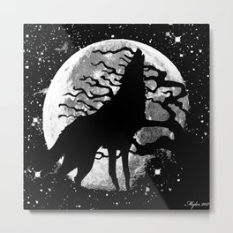 WOLF AND MOON IN BLACK AND WHITE Metal Print