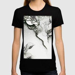 Creeping corners T-shirt