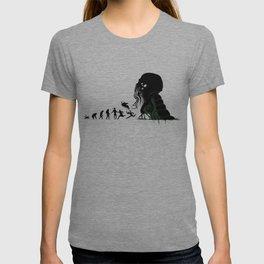 Lovecraftian Darwinism T-shirt