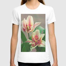 Vintage tulips 7 T-shirt