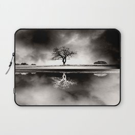 SOLITARY REFLECTION Laptop Sleeve