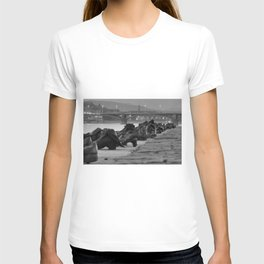 Jewish WWII Memorial - Shoes on the Danube Promenade, Budapest black and white photograph / photography T-shirt