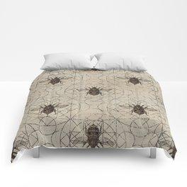 Bumble Bee  on sacred geometry pattern Comforters