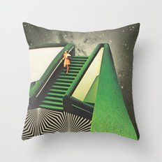 Délica Throw Pillow