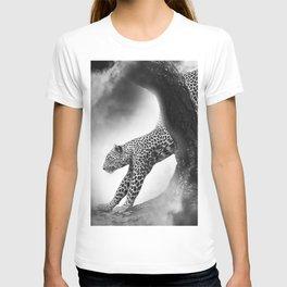Leopard Night Hunt T-shirt