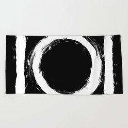 Black and white circle splatter Beach Towel