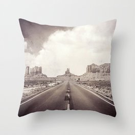 Road to the Giants Throw Pillow