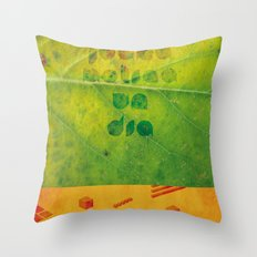 Un Dia Throw Pillow