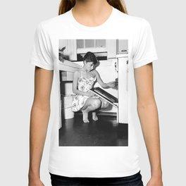 Audrey Hepburn in Kitchen, Black and White Vintage Art T-shirt