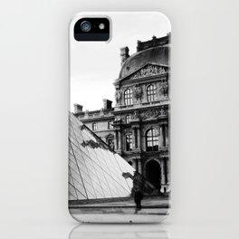 Pyramide de Louvre iPhone Case