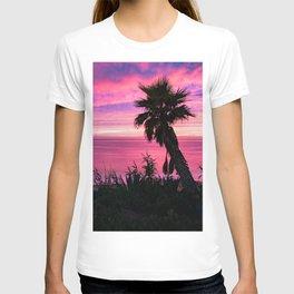 Pink Sunset at Windansea Beach (pink and blue sky,palm tree, beach hut) T-shirt