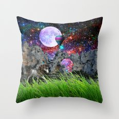 dreaming planet Throw Pillow