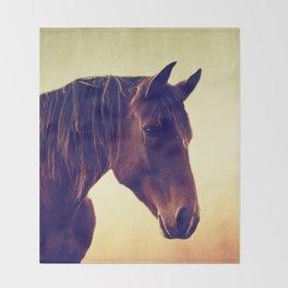 Western horse in porträit Throw Blanket