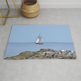 Tall ship Sailing by the point Rug