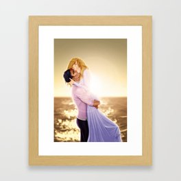Feyre and Rhysand - A Romantic Sunset Framed Art Print