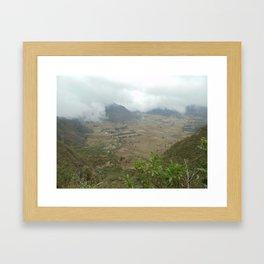 Una Abertura Framed Art Print