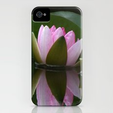 Reflecting Water Lily Slim Case iPhone (4, 4s)