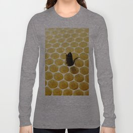 Bee in the honeycomb Long Sleeve T-shirt