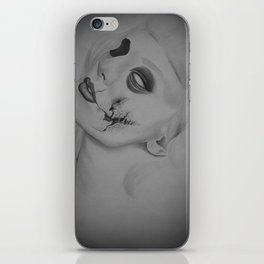 Devines zombies #3 iPhone Skin