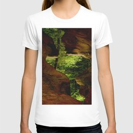 Cave-out Kiss T-shirt