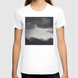 mountain storms  T-shirt