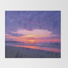 Broken sunset by #Bizzartino Throw Blanket