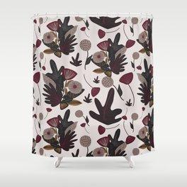 fiori invernali Shower Curtain