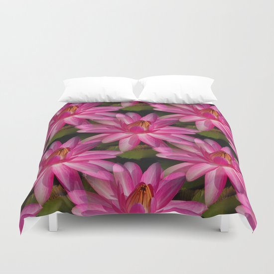 Lilies and more Lilies... Duvet Cover