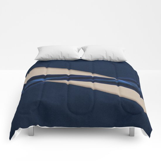 Abstract #140 Comforters