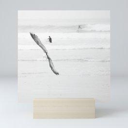 catch a wave VI Mini Art Print