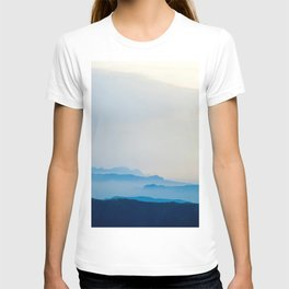 Minimalist Landscape Blue Mountain Parallax T-shirt