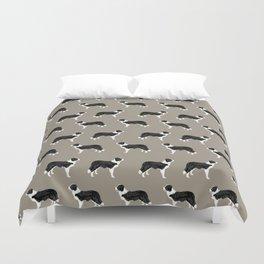 Border Collie dog pattern pet friendly dog art dog lover gifts with favorite dog breeds Duvet Cover