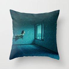 swimming girl Throw Pillow