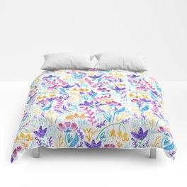 Wonderland Flower Pattern - White Background Comforters