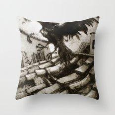 il Corvo Scappato Throw Pillow