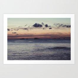 Empieza el día en la isla Art Print