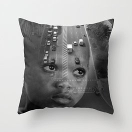INMIGRANT IN BARCELONA (2017) Throw Pillow