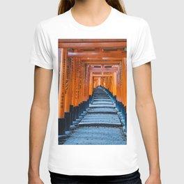 Fushimi Inari-taisha in Kyoto, Japan T-shirt