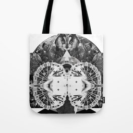 LIVE IN DREAMS Tote Bag